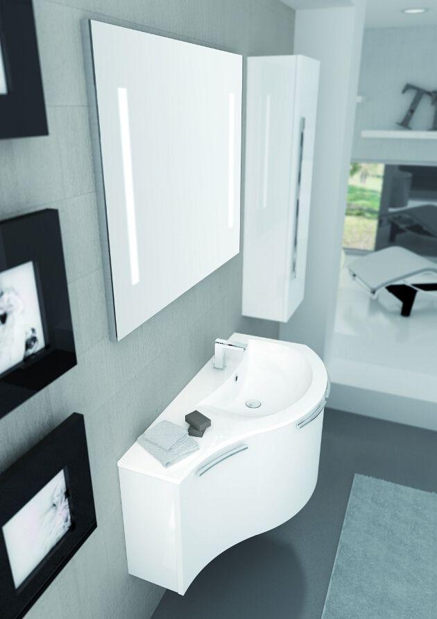 Uno Specchio Che Illumina L Ambiente Home Bagno Casa Arredo