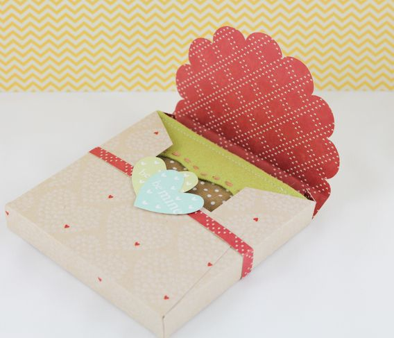 Be Mine Felt Coaster Set With Downloadable Scalloped Top Box