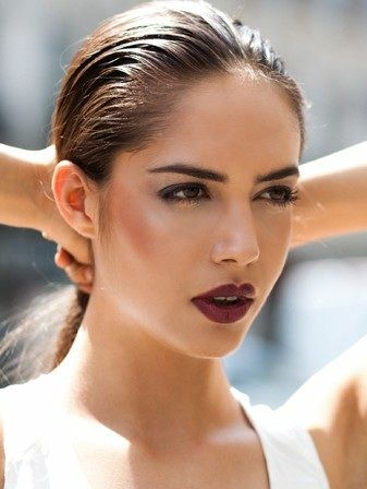 Plum lips and strong contour - Tamsin Oldroyd
