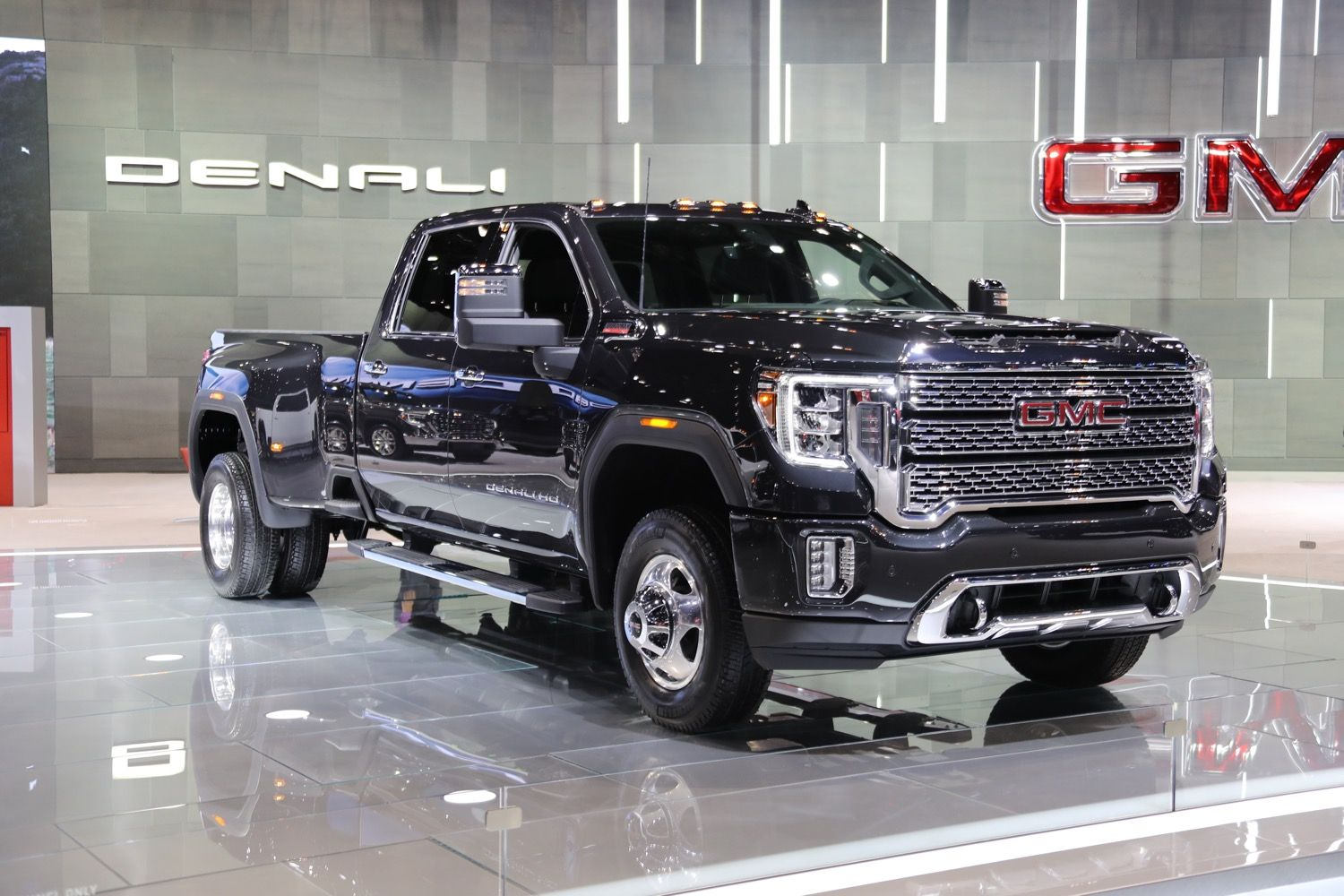 Review 2020 Gmc Sierra 3500hd Denali Dually And Images Feels Free To Follow Us Di 2020