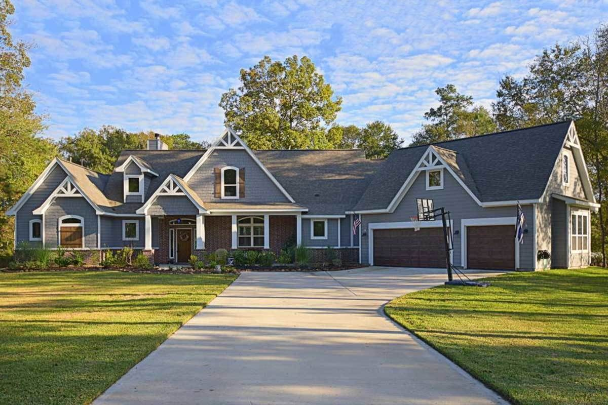 Two-Story 5-Bedroom Craftsman Home with a Loft (Floor Plan ...