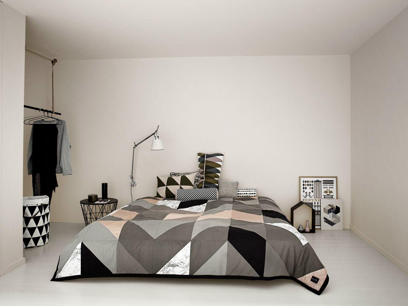 couvre lit ferm living Couvre lit motifs graphiques en coton Collection Arrow by ferm  couvre lit ferm living