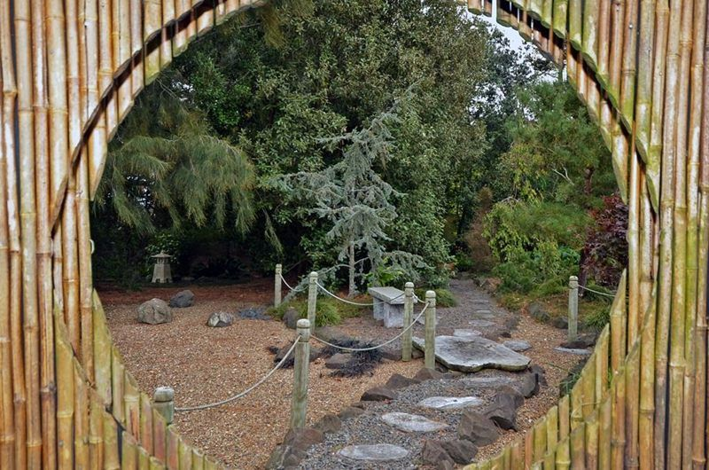 Japanese Garden Showplace, Rural Riverside. Japanese