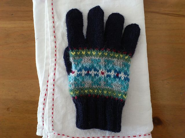 Ravelry: #26 Fair isle Gloves(kids) pattern by Toshiyuki Shimada ...