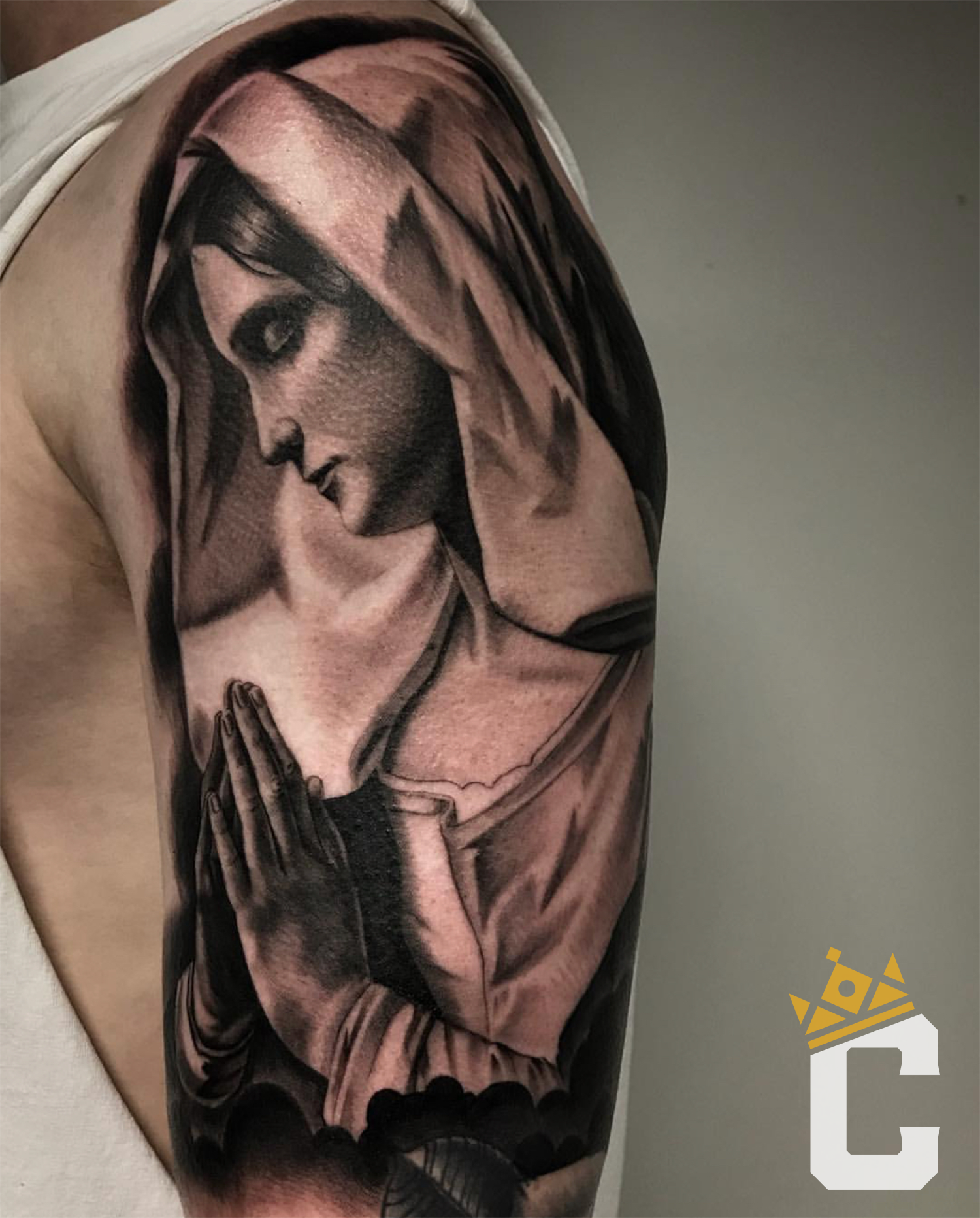 Full Of Grace Beautiful Black And Grey Tattoo By Salvador Check Out Salvador S Stunning Work Salvadordiaztattoo And Get The Right Inspir