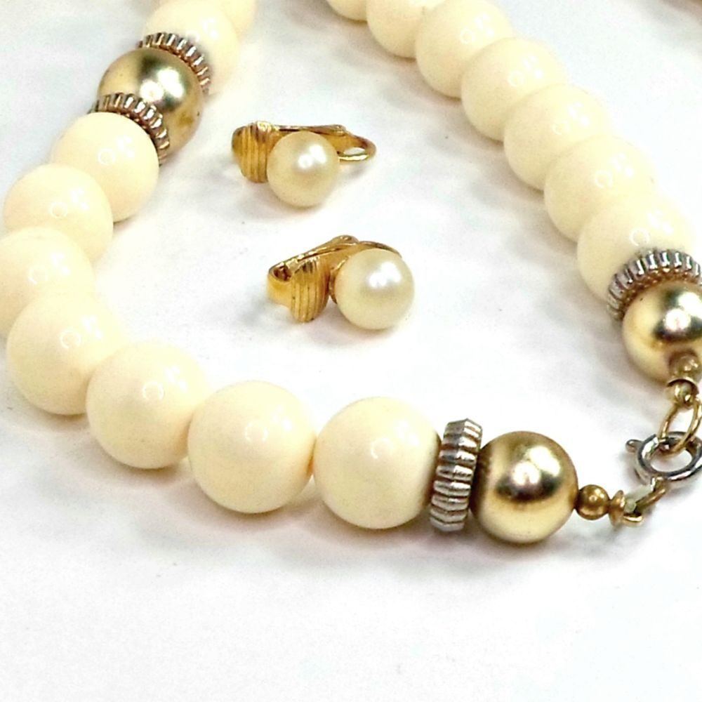 Jewelry set earrings faux pearl clip necklace cream beads 31 inch goldtone #Unbranded