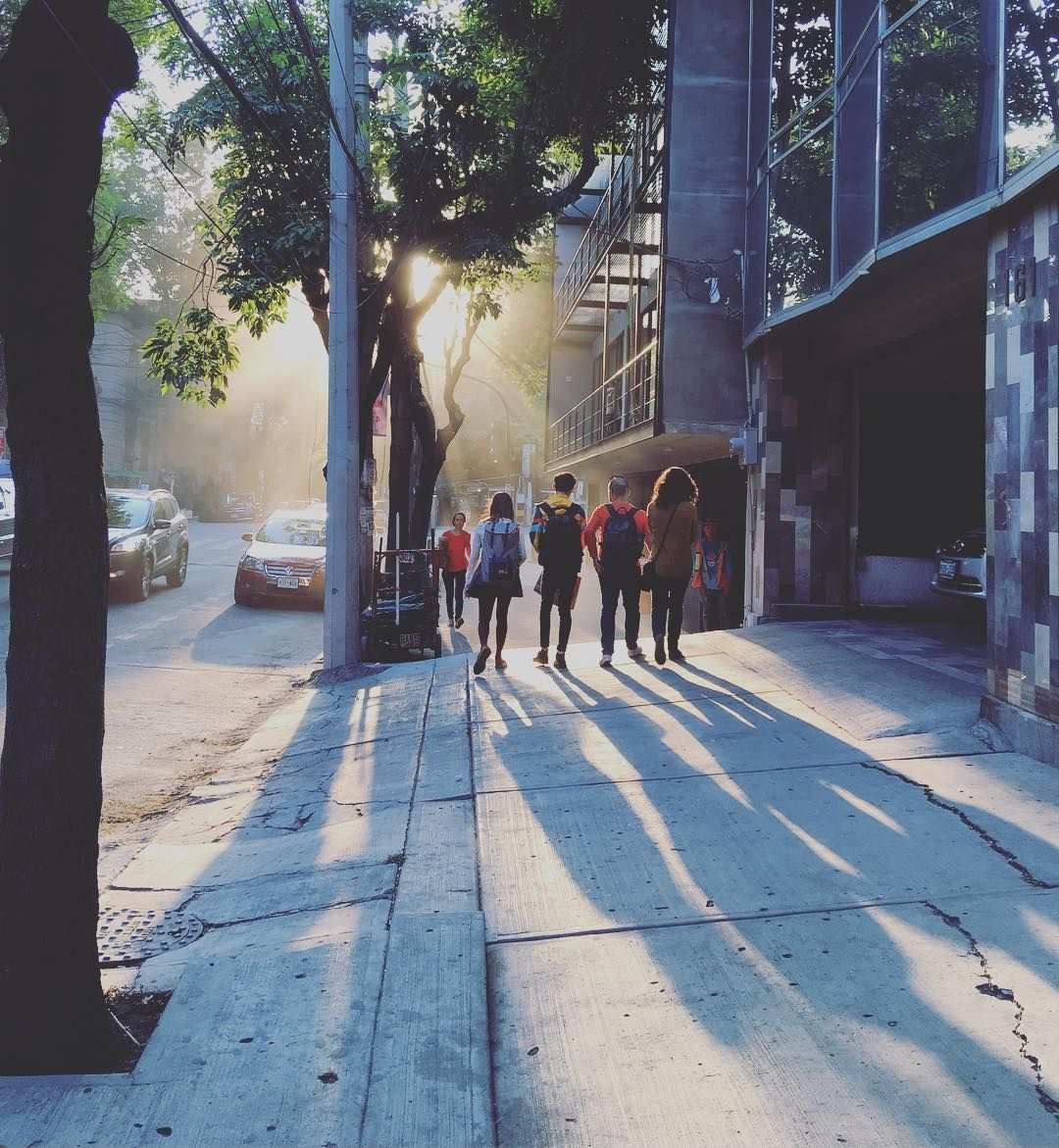 Alan Por El Mundo On Instagram Por Las Calles De La Roma Cdmx Axm Travel Axmmexico Instagram Instagram Posts Sidewalk