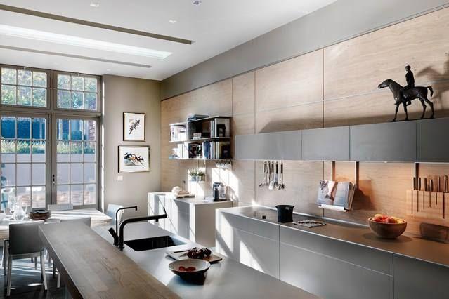 This B3 Installation In Gray Aluminum Was Done By Bulthaup Ramsauer In Munich Germany Bulthaup Kitchens Bulthaup Kuchen Kuchendesign Modern Kuchen Design