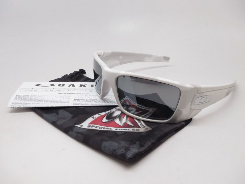 66a1a29b39 Oakley Fuel Cell Sunglasses Product Info   Brand   Oakley Model Number    OO9096-G6 Model Name   Fuel Cell Frame Color   Alpine Lens Color   Black  Iridium ...