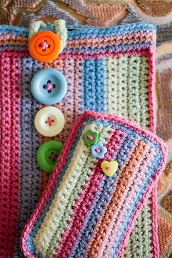 30 Stylish DIY Crochet Phone Cases --> Colorful Crochet Phone Case #craft #crochet #phone_case #pattern