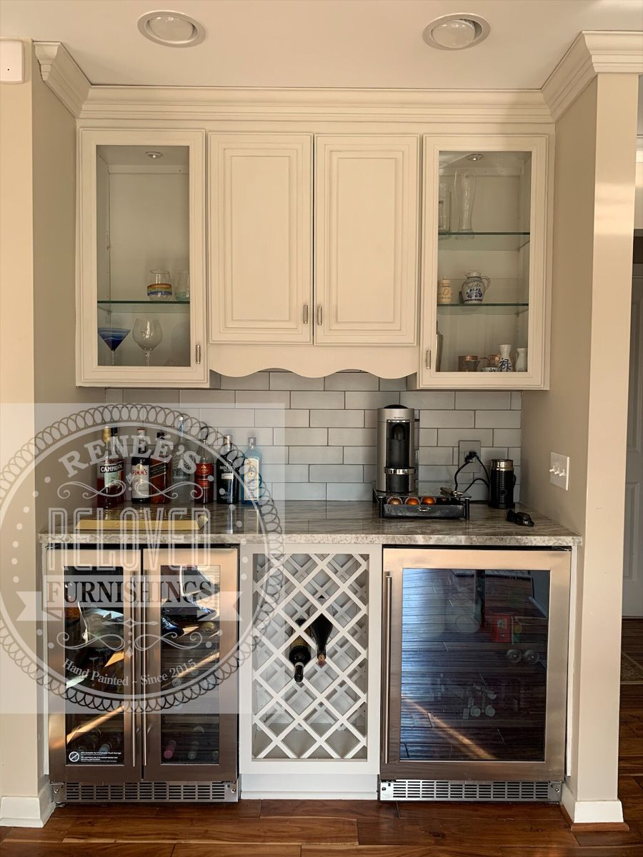 Kitchen Remodel In 2020 Annie Sloan Painted Furniture Kitchen Remodel Painting Kitchen Cabinets