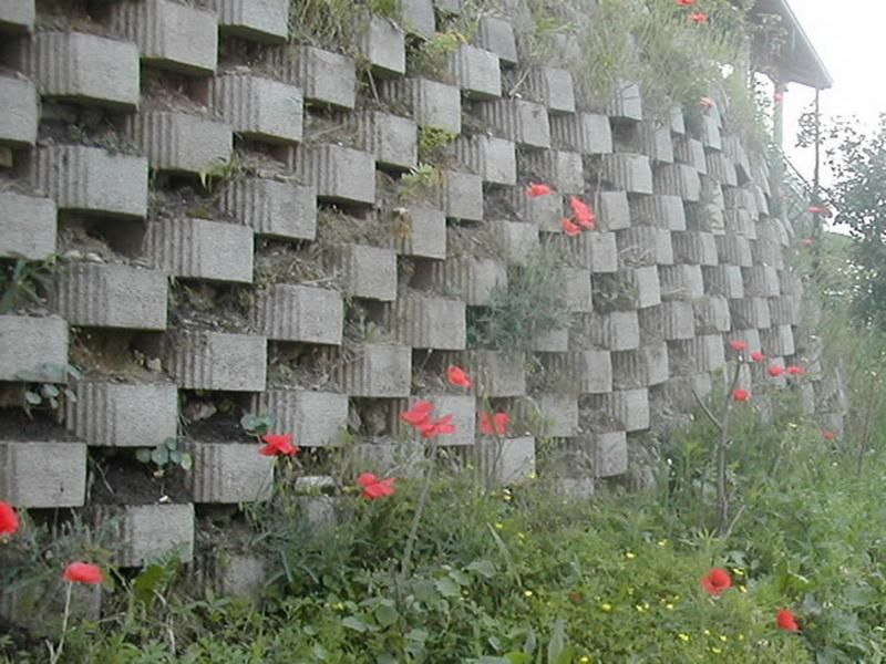 Italian Garden Concrete Block Retaining Wall Shaping Earth