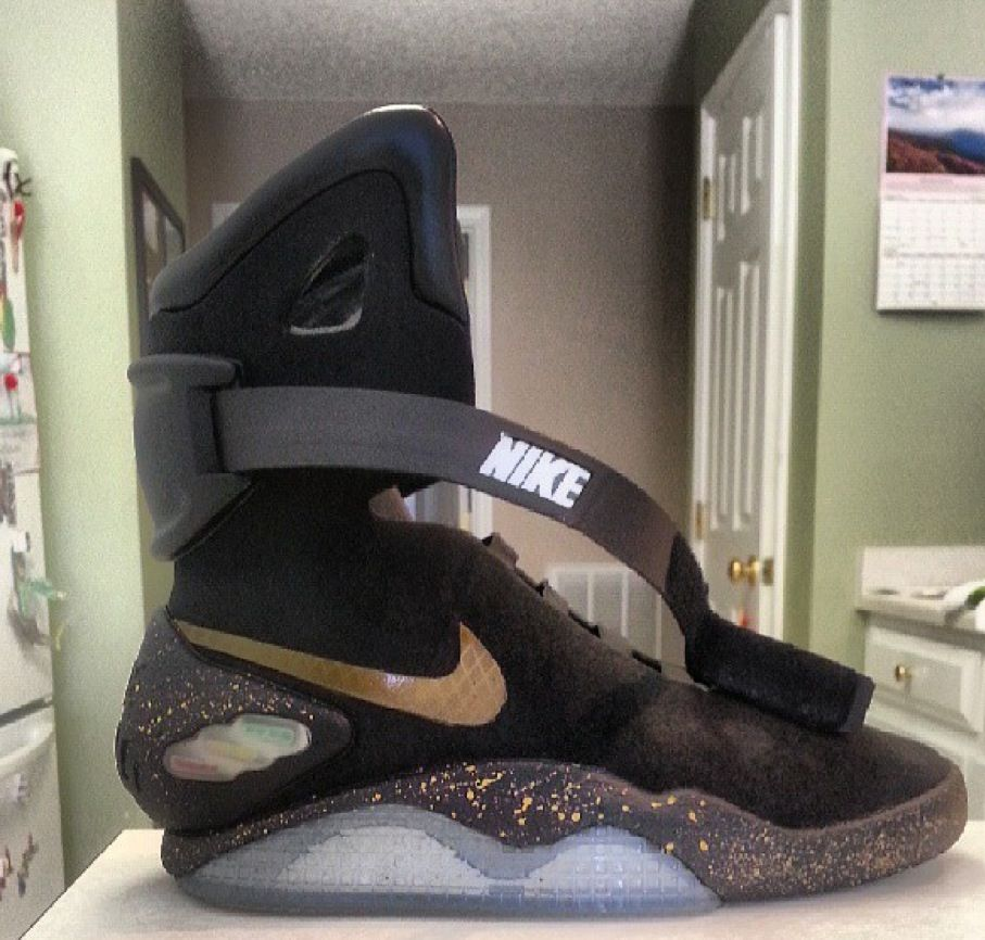 Nike Air Mag Air Mag Elite by Kickasso Kustom Sneakers One of the Holy  Grails. Nike Air Mag Back To Future Shoes Elite Black ... 680043fae