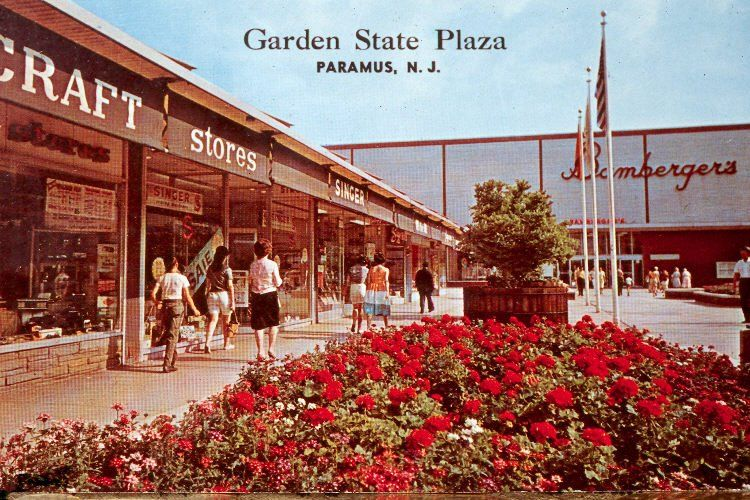 Garden State Plaza 1960\u0027s on the Bamberger\u0027s side