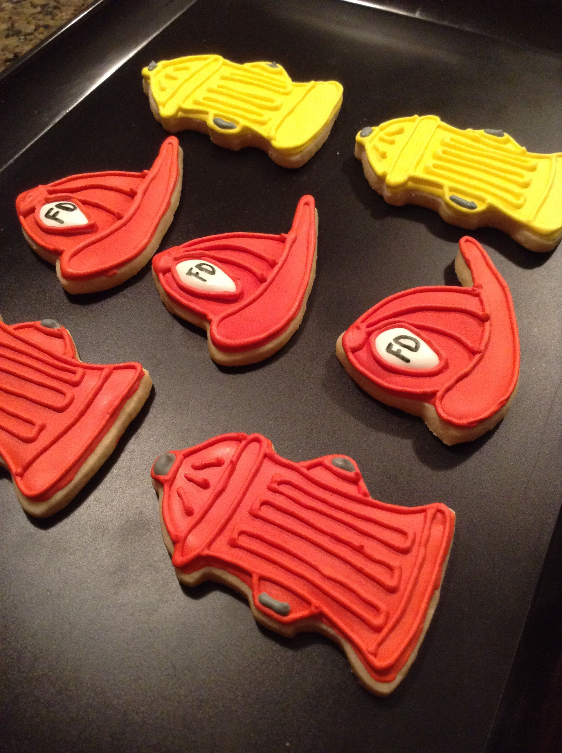 Helmet Cookies : helmet, cookies, Image, Result, ICING, FIREFIGHTER, HELMET, COOKIES, Firefighter, Cookie,, Firetruck, Cake,, Sugar, Cookies