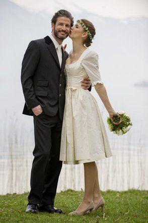 Tostmann Trachten Hochzeitsdirndl Dirndl Hochzeit Braut Dirndl Hochzeit