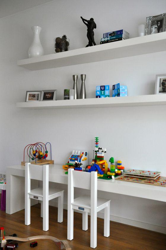 Super idee!kinderhoek in de woonkamer! Naast de bank en voor de ...