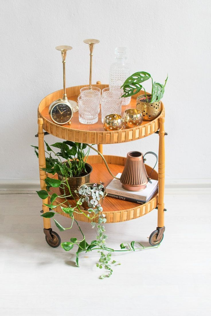 Wicker bar cart from 60s #mugdisplay