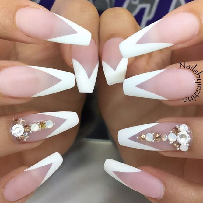 24 New French Manicure Designs to Modernize the Classic Mani ...