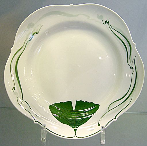 plate with ginkgo leaf design staatliche porzellan manufaktur meissen gmbh porcelain museum. Black Bedroom Furniture Sets. Home Design Ideas