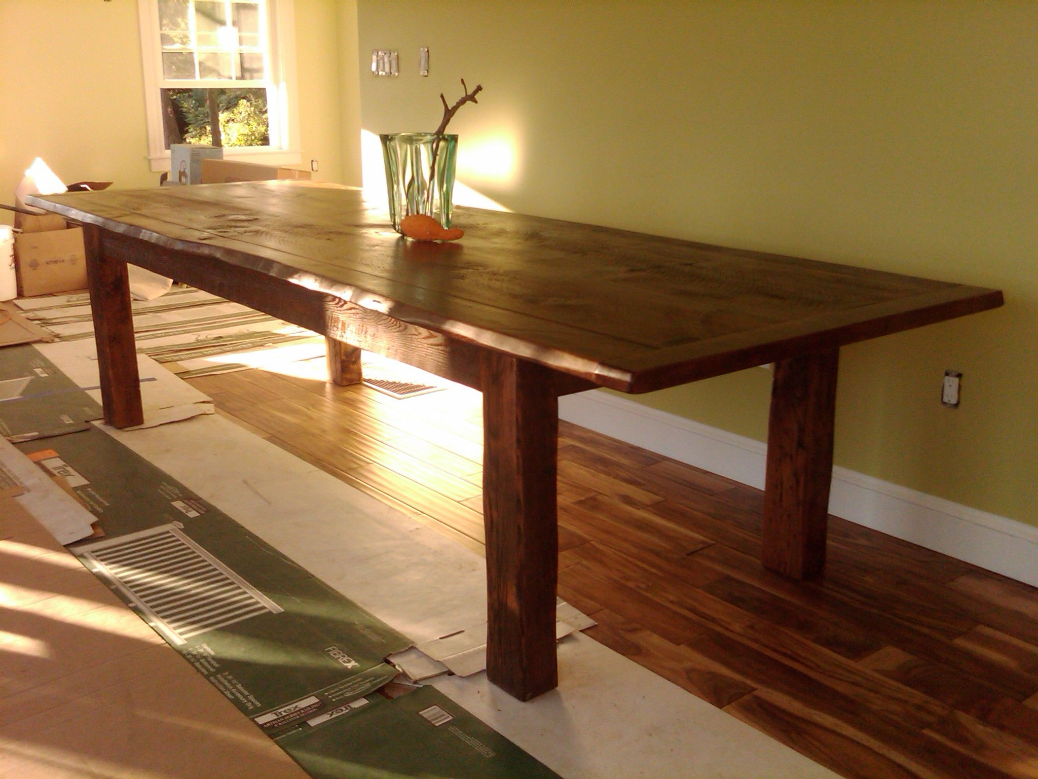 This Big Dining Table Has All The Right Things Going For It The Proportions Are Correct The Overhang On Th Rustic Kitchen Tables Big Dining Table Farm Table