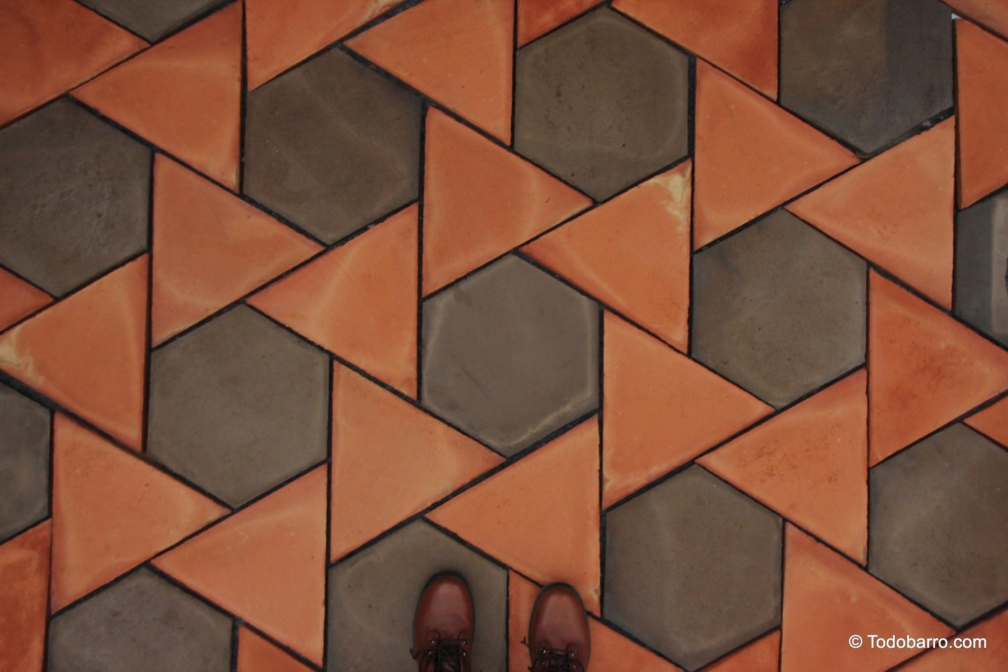 teselado girasol | spanish revival architecture, terracotta floor