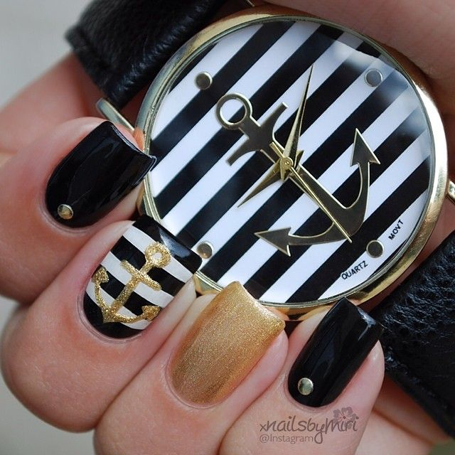 Black and white nautical #nailart ===== Check out my Etsy store for some  nail art supplies https://www.etsy.com/shop/LaPalomaBoutique - Instagram Post By Nails By Miri Nautical Nail Designs, Nautical