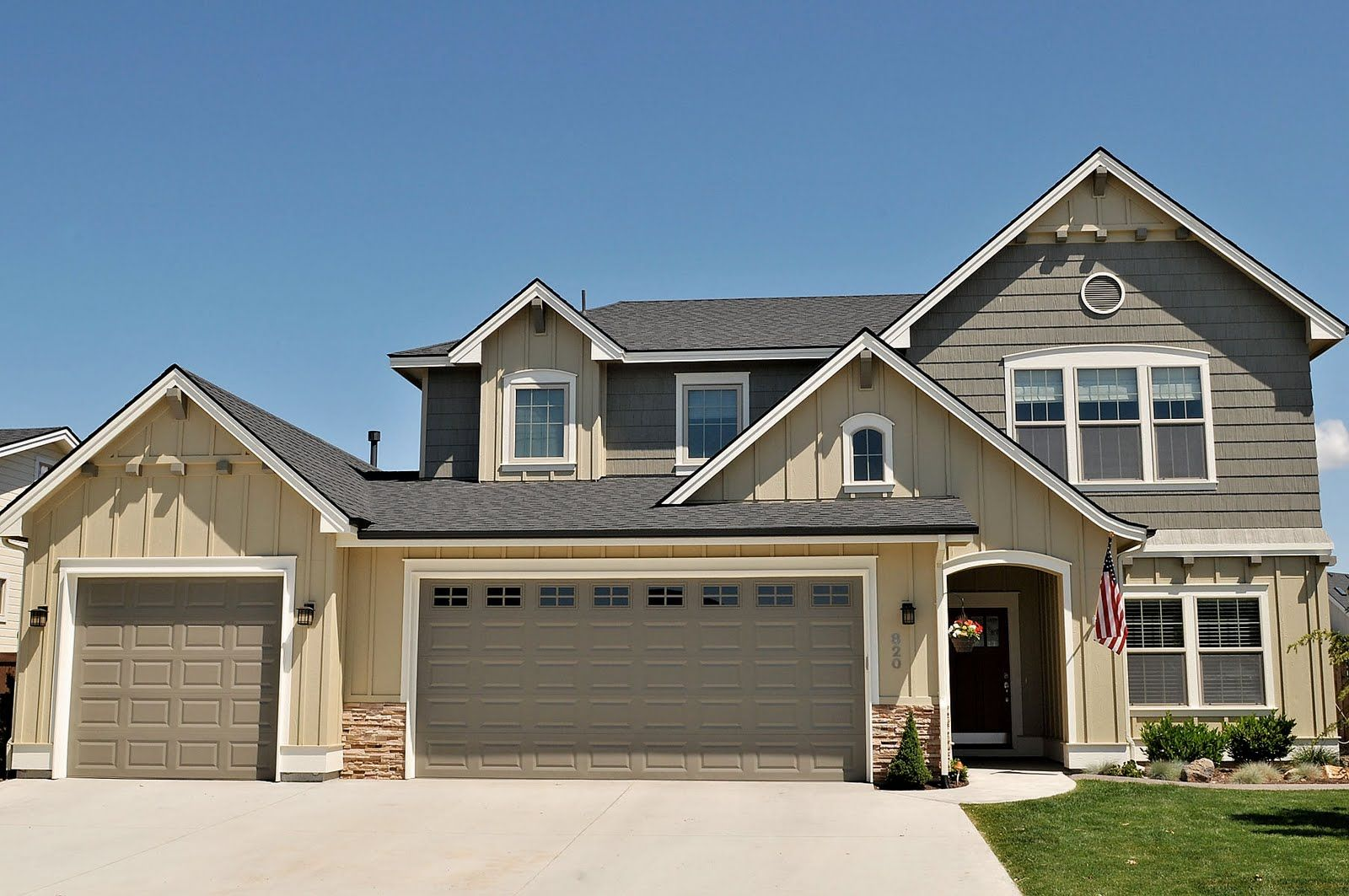 Garage exterior paint ideas - Spray Tech House Painting Boise Exterior House Paint Before And After Boise House Painter