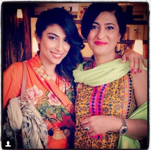 saba hamid/ hameed with her daughter- I remember her from the days