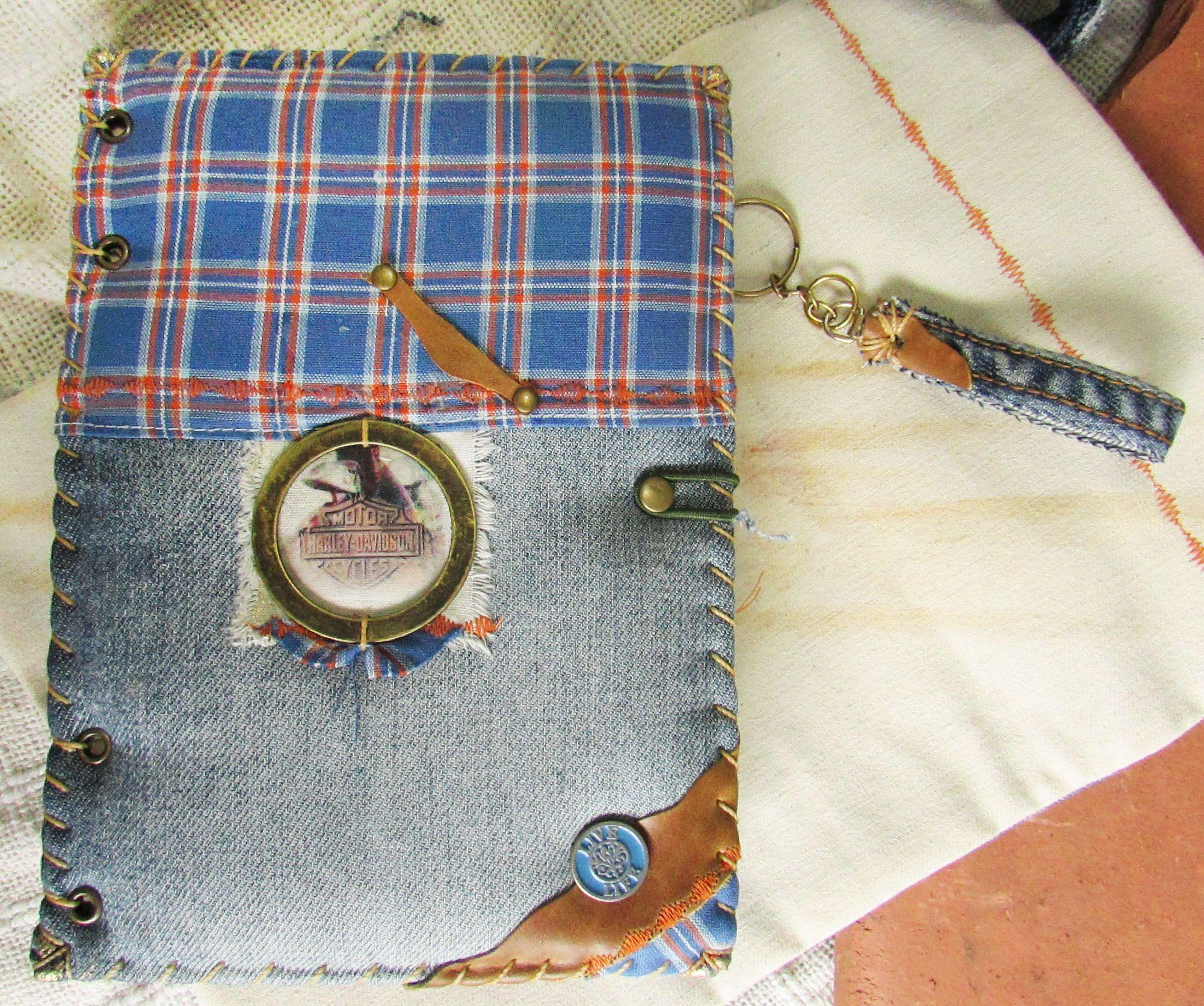 Capa, bolsa e chaveiro do tema Motos vintage.