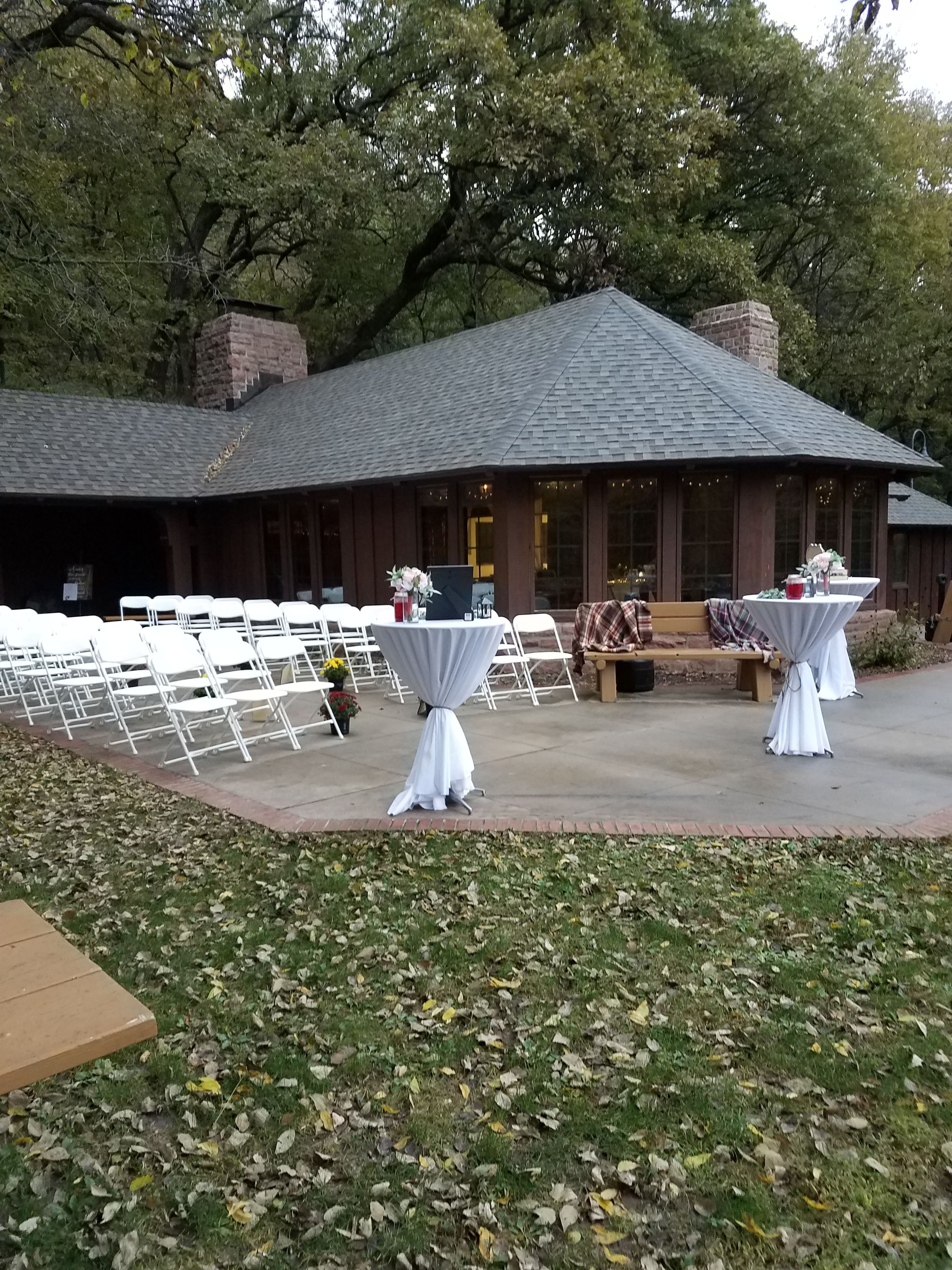 Iowa State Parks Are The Perfect Place For An Outdoor Wedding Or Party Any Time Of Year Iowastateparks Wedding Iowa Park Bellevue State Park State Parks