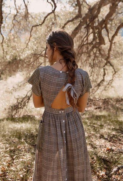 The Dreamiest Spring Dresses You Ll Wear On Repeat All Season Long Midi Short Sleeve Dress Christy Dawn Dress Trendy Dresses Summer