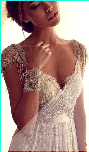 Vintage lace wedding dress with crystal beads embellishment Vintage lace wedding dress with crystal...