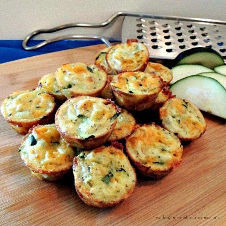 How to Make Easy Zucchini Puffs Perfect little bite of zucchini and cheese from Walking on Sunshine Recipes