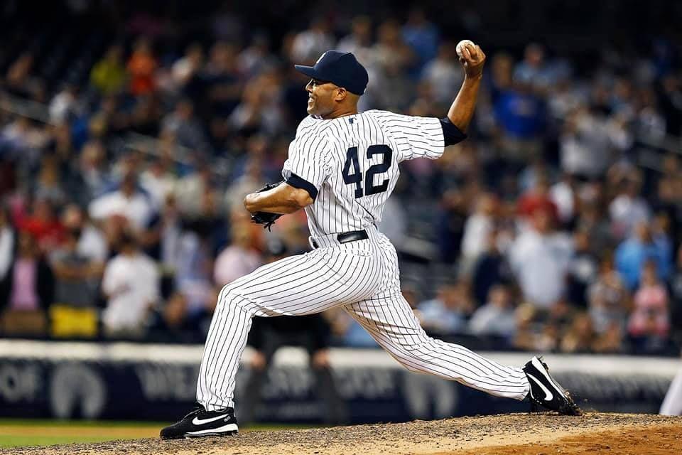 Mariano Rivera Mlb Players New York Yankees John Wetteland