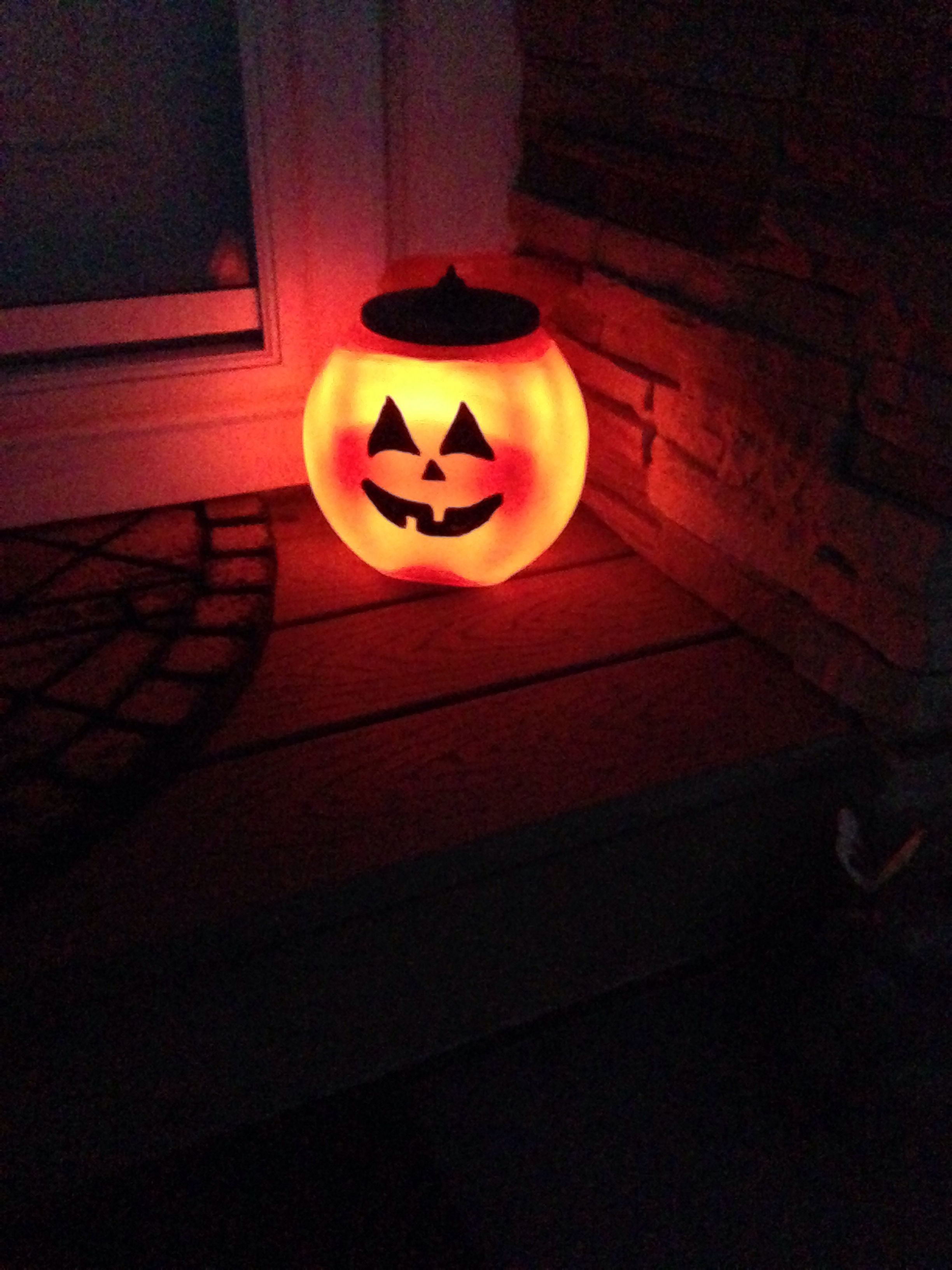 Made It Out Of A Tide Pod Canister And A Solar Light October - Cosas-para-halloween-manuales