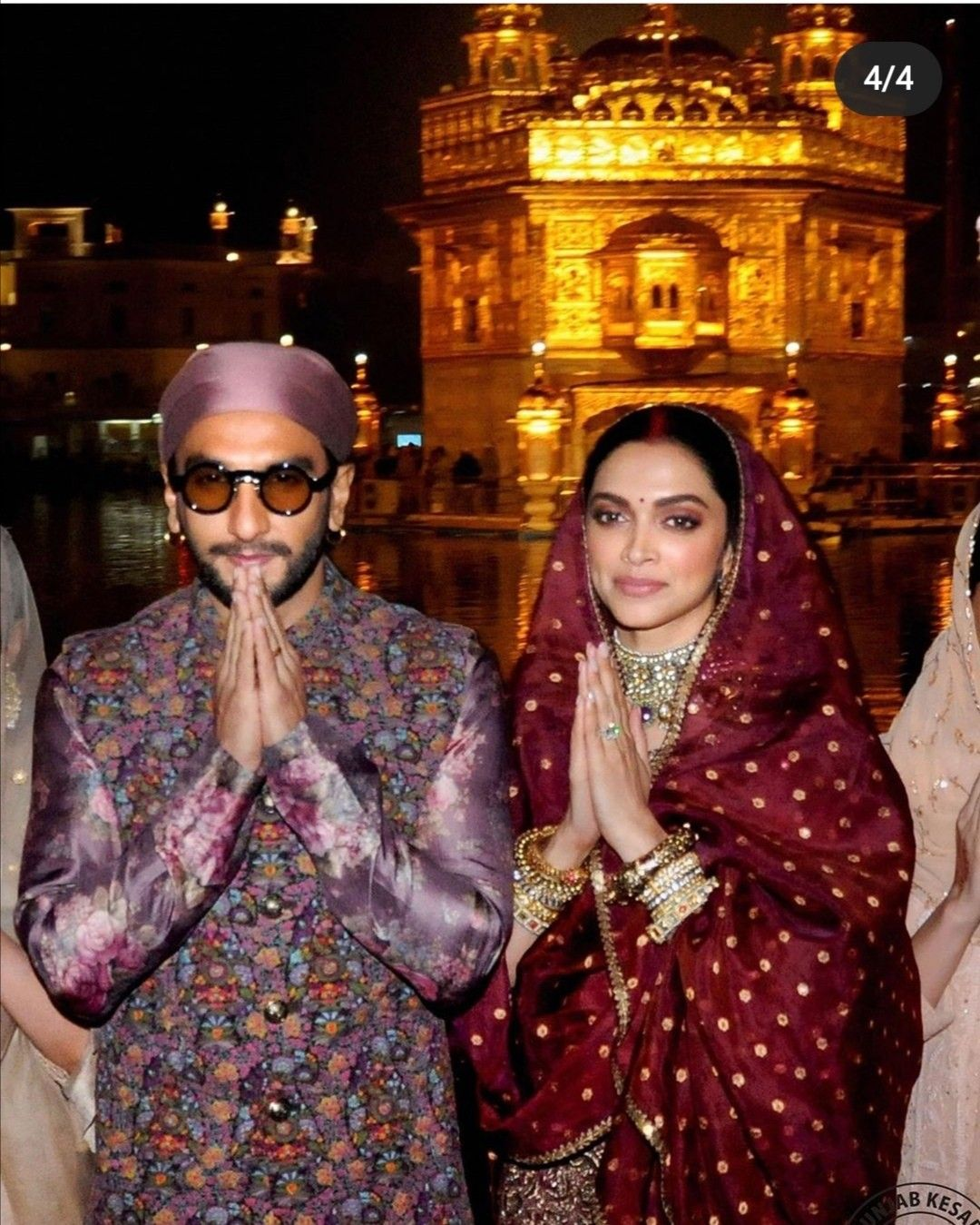 Deepika Padukone And Ranveer Singh At The Golden Temple For Their First Wedding Anniversary In 2020 Traditional Outfits Fashion Deepika Padukone