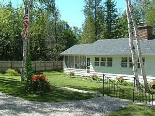 Sunset Shore Is A Vintage Cottage On Big Glen Lake Leelanau County Michigan With Images Glen Lake Romantic Cottage Vintage Cottage