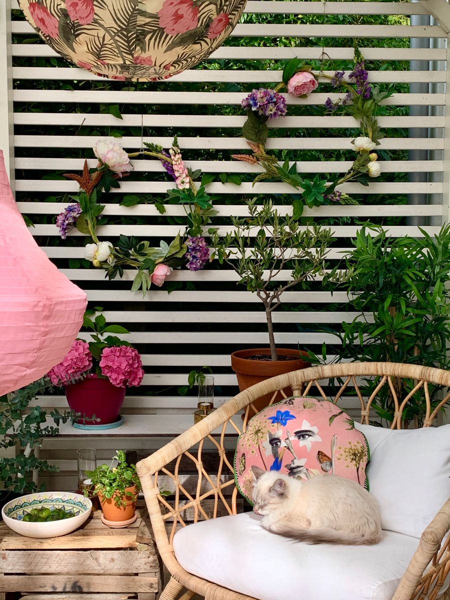 #patio #designersguild #aliceinwonderland #colorful #eclecticdecor