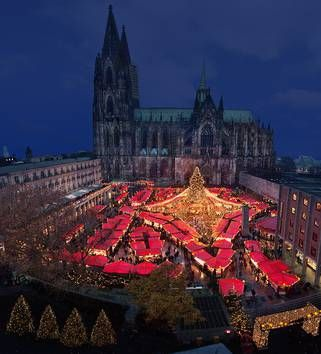 Pin Auf How Different Countries Celebrate Christmas