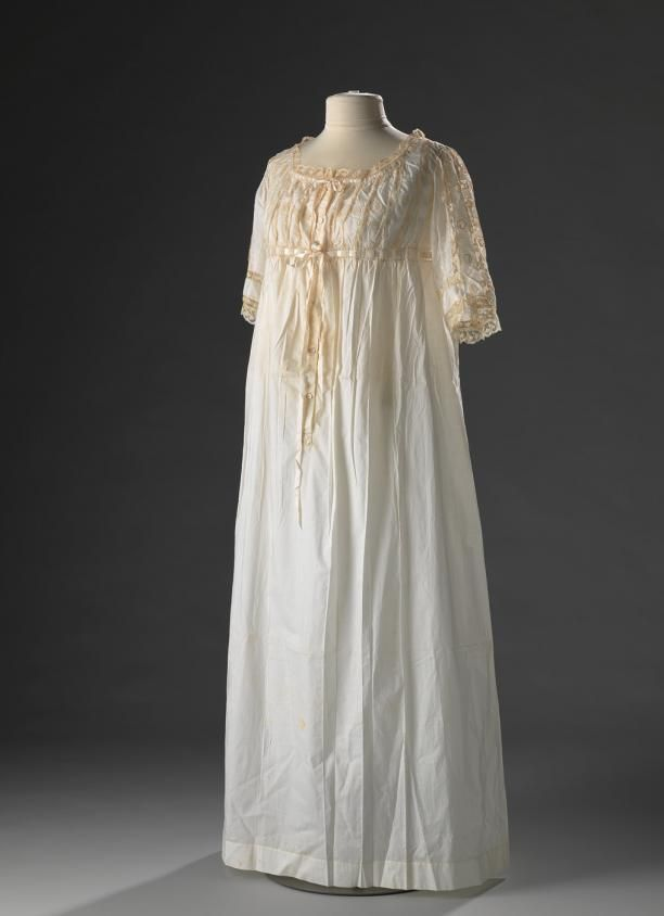 1912-1913 Nightgown with an embellished bodice | Edwardian Dressing ...