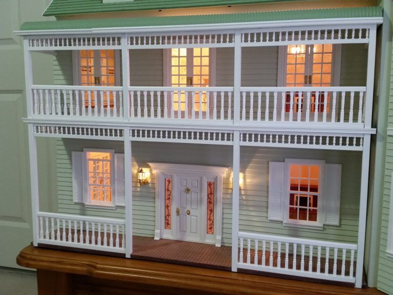 1//12th scale miniature dollhouse roombox Victorian fretwork trim doorway small