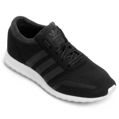 2d4a0b9ad4 Elevando seus traços urbanos e modernos, o Tênis Adidas Los Angeles Preto e  Branco vem