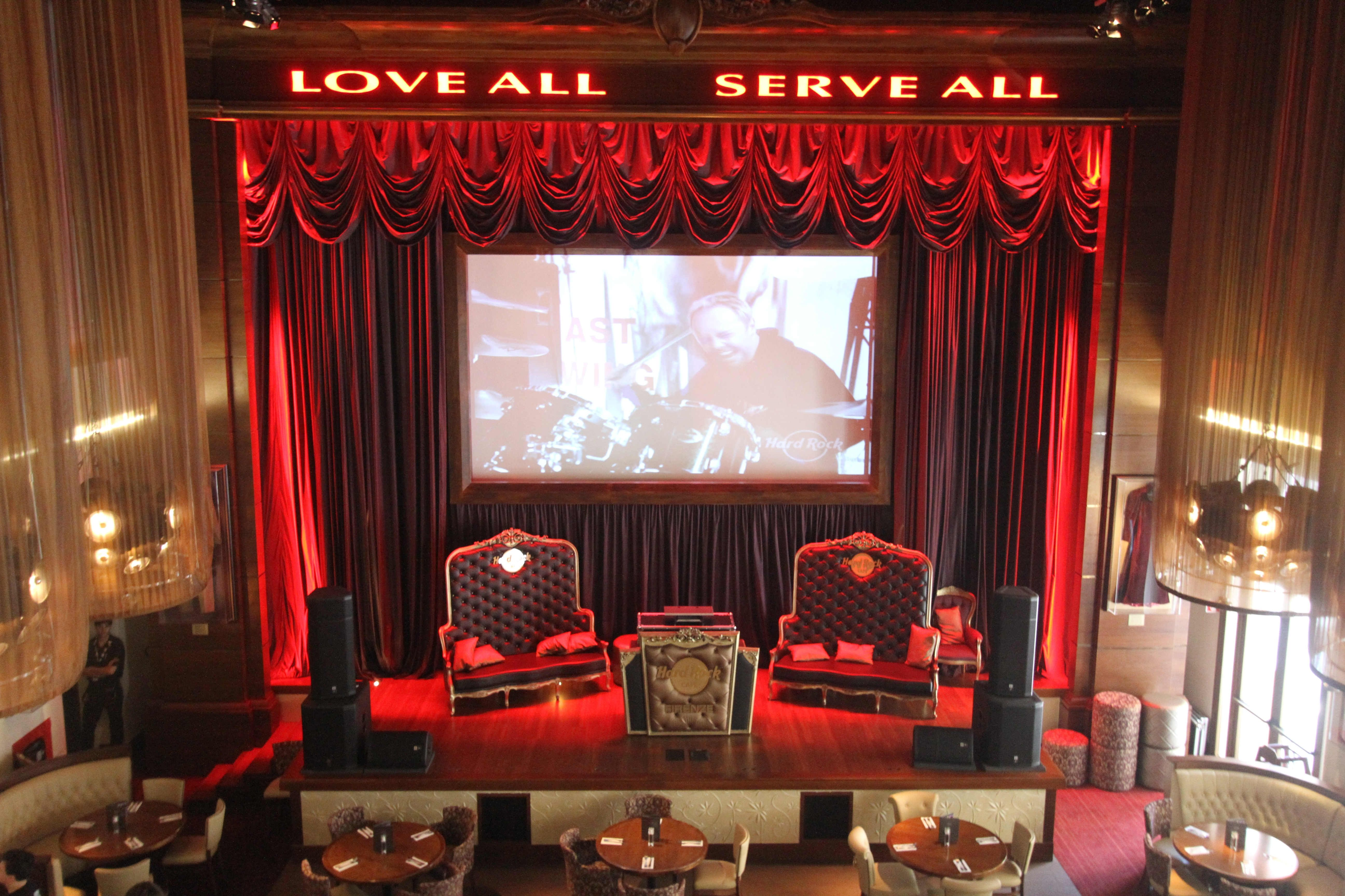 Carlye Hardman Rock Cafe Florence Movie Screen Stage Visit Our  # Muebles Firenze