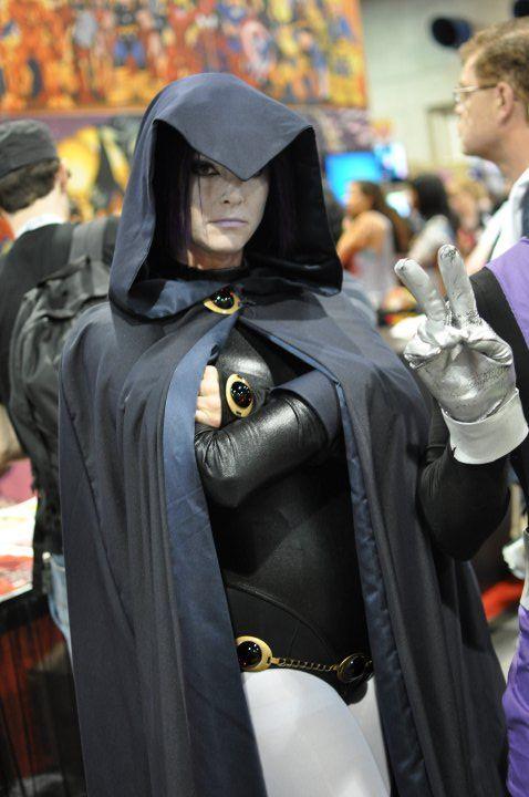 boy cosplay Raven and girl