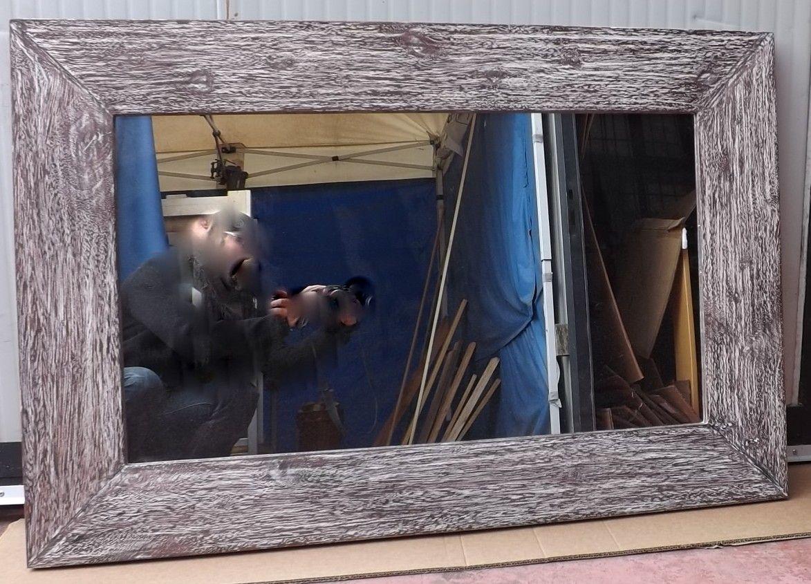 Specchio in legno Noce Indiano con cornice a V!!!Argento