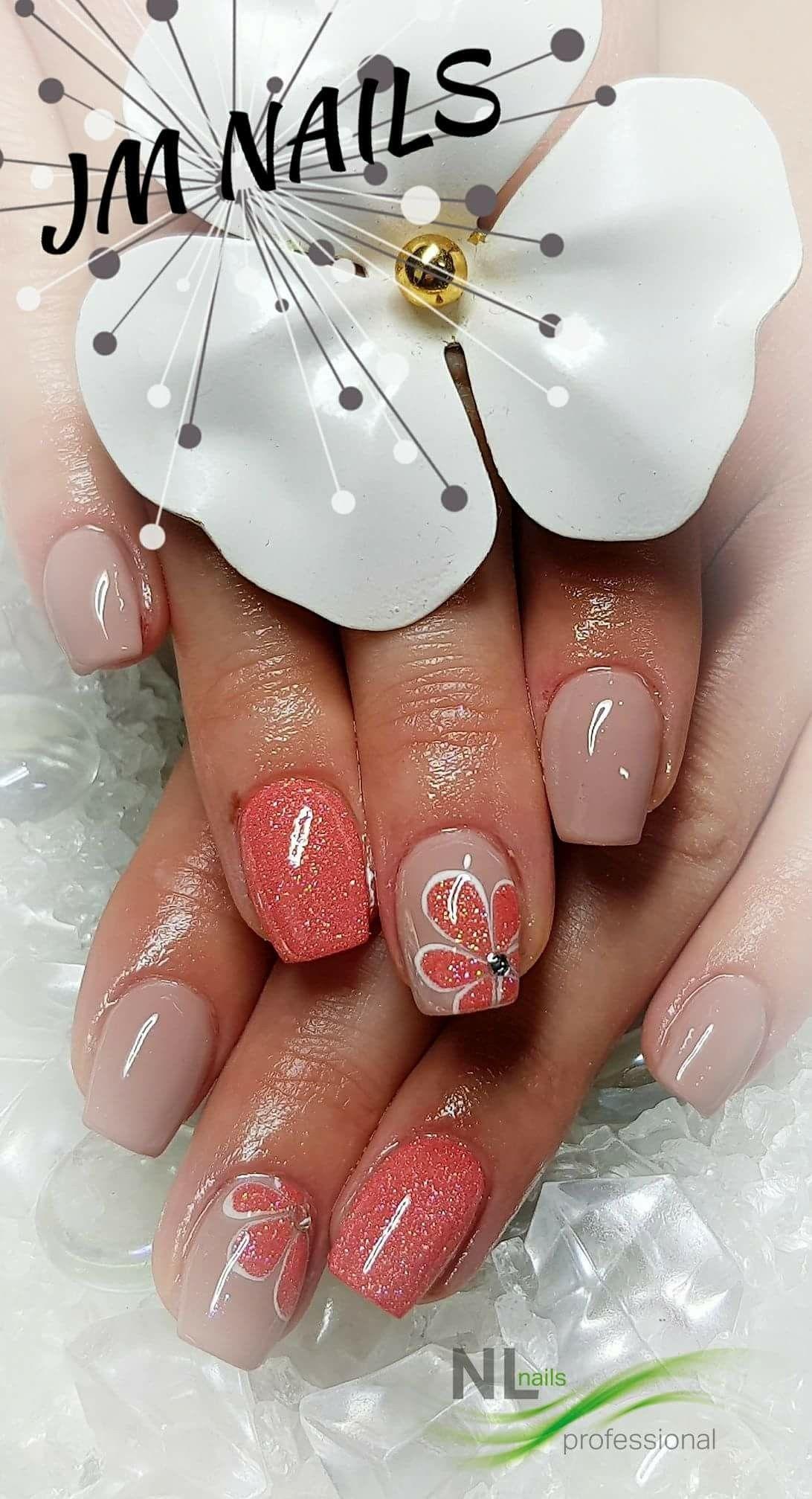 19b2739a55e2 Pin od používateľa Klaudia Kontrova na nástenke Nails design