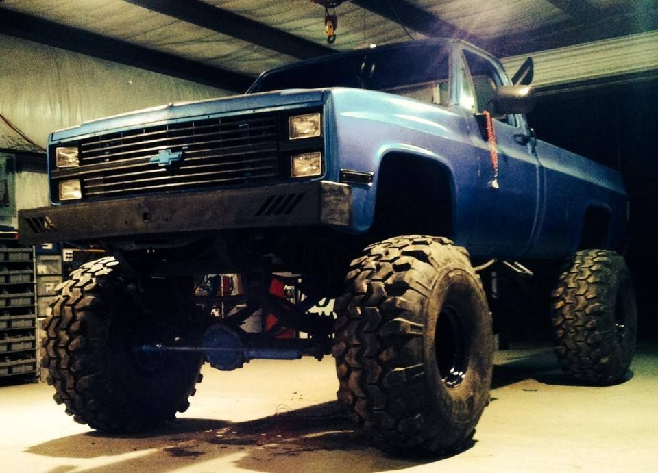 blue chevy jacked up trucks chevy trucks big chevy. Black Bedroom Furniture Sets. Home Design Ideas