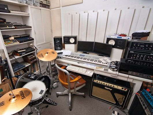 In Pictures Moby S Bedroom Studio