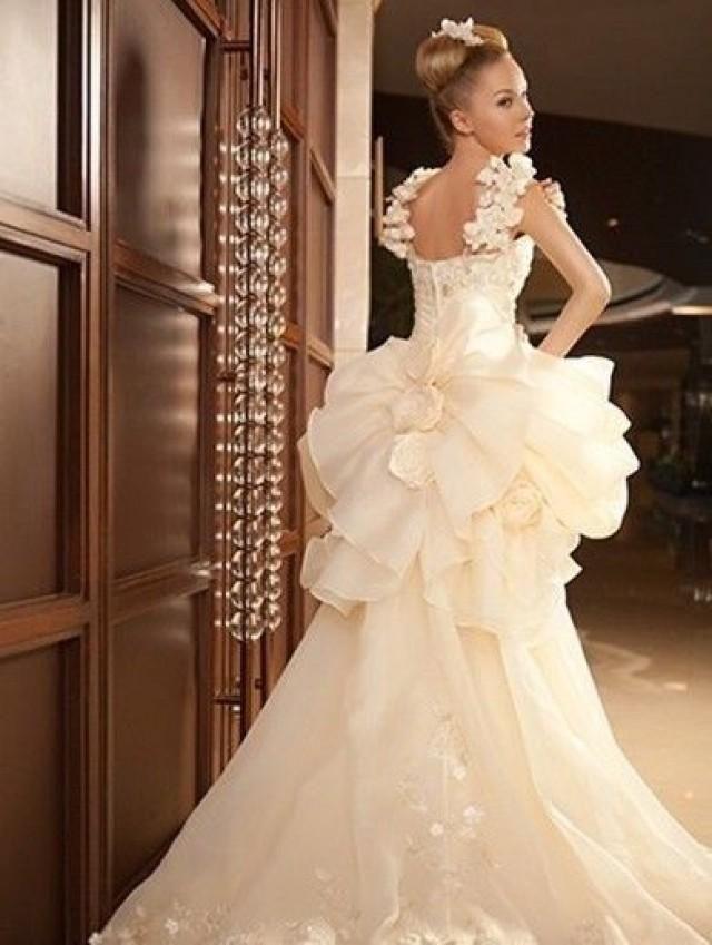 www.weddbook.com everything about wedding ♥ Short Front and Long Back Puff Skirt Wedding Dress  #weddbook #wedding #fashion #bride